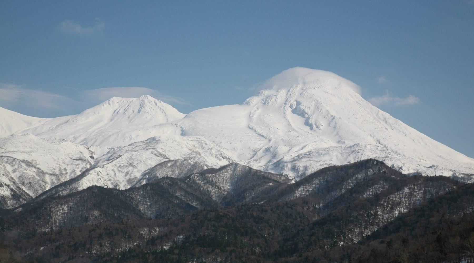 冬の羅臼岳