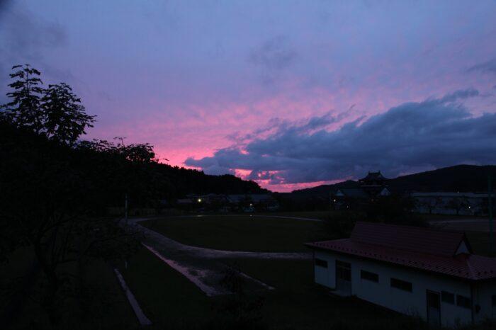 日本の夕方の風景「秋田 亀田城」