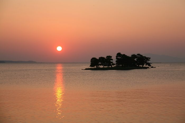 日本の夕方の風景「島根 宍道湖」