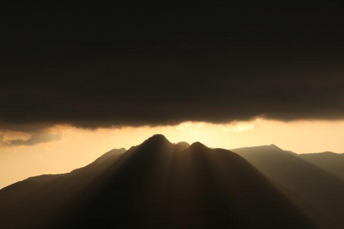 日本の夕方の風景「山梨 河口湖」