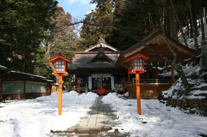 冬の新倉富士浅間神社