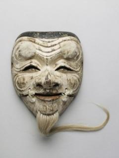 水戸徳川家伝来の翁面・伝日光作 白色尉 写真提供:野村美術館