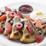 """""""NYの朝食の女王"""" 「サラベス」で水曜日限定のスペシャルワッフルを販売 『ワッフル・ウェンズデー』 開催"""