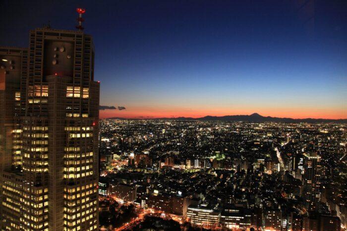 東京 新宿 都庁と富士山