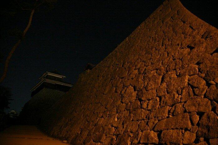 夜の松山城