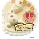 'オラフ'ハッピースノーマン発売中!  あの'オラフ' のアイスクリームケーキに新商品が登場  今度は'アナ' と'エルサ' のチョコプレート付き!