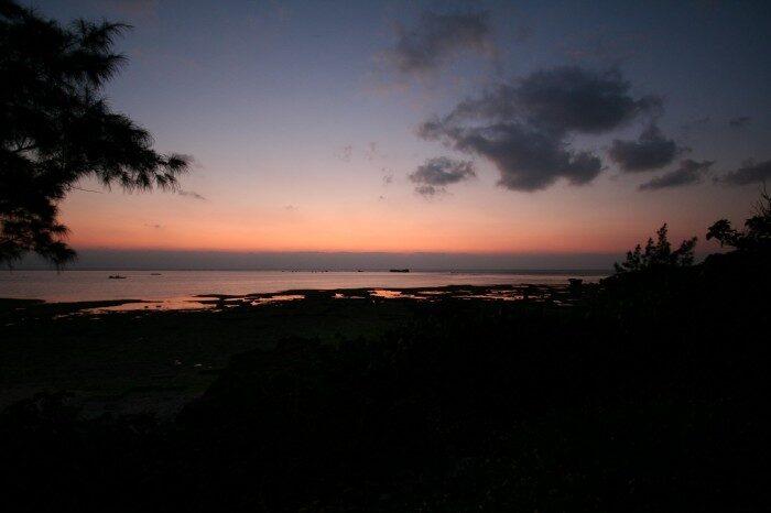 残波岬の夕暮れ