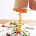 野菜をクルクル電動スライス  minish『クルクルベジスライサー』