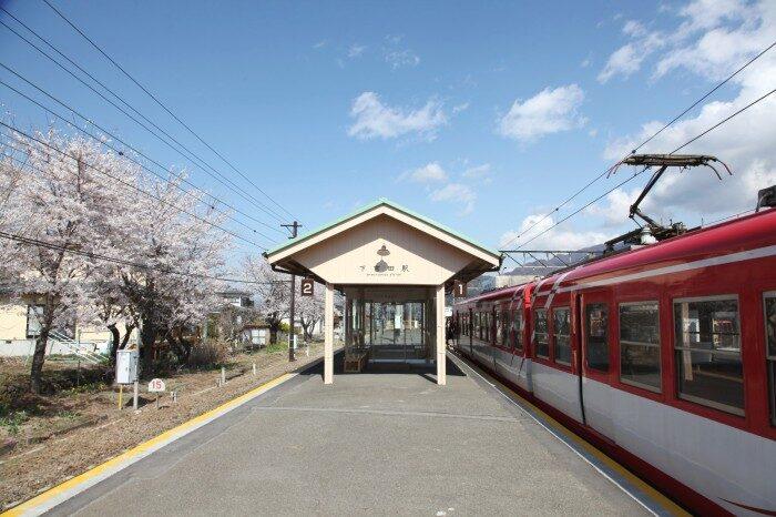 春の下吉田駅