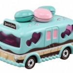 トミカ45周年記念商品「ドリームトミカ バースデイスイーツバス」 2015年6月30日発売