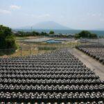 黒酢の里で桜島を望む 鹿児島県霧島市福山町