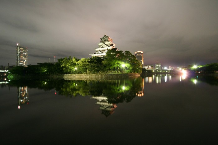 夜の広島城