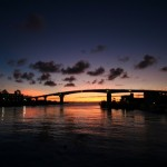 夕暮れの那覇港 泊大橋