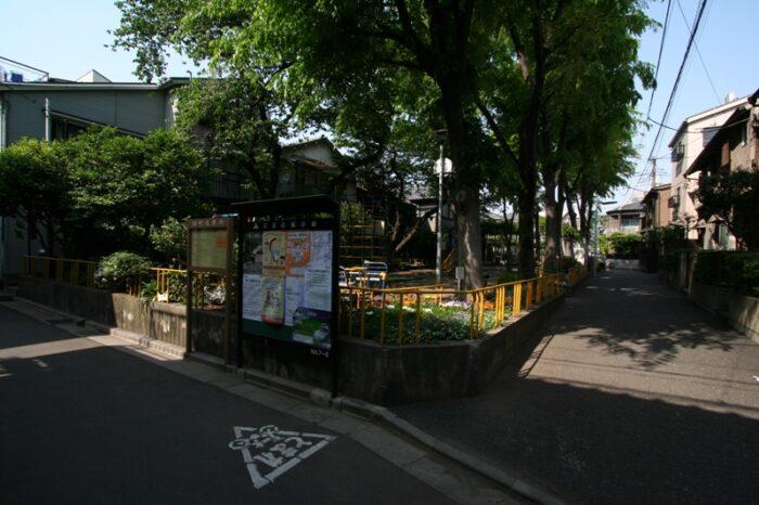 根津の町並み