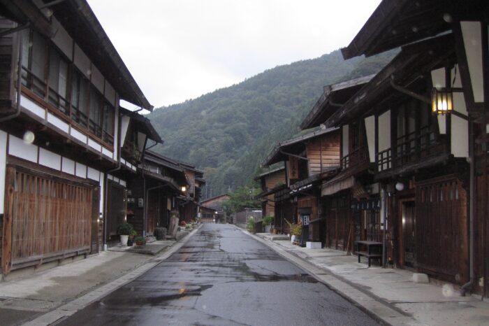 雨の奈良井宿