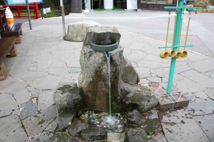 龍泉洞の入り口そばにある水飲み場