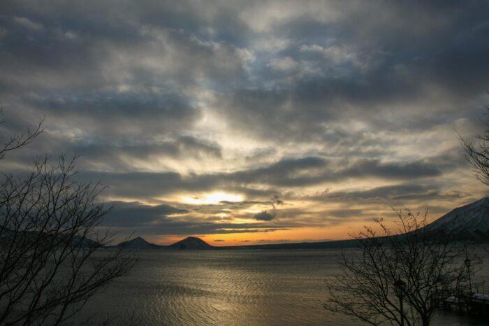 冬の北海道  二月の支笏湖の風景