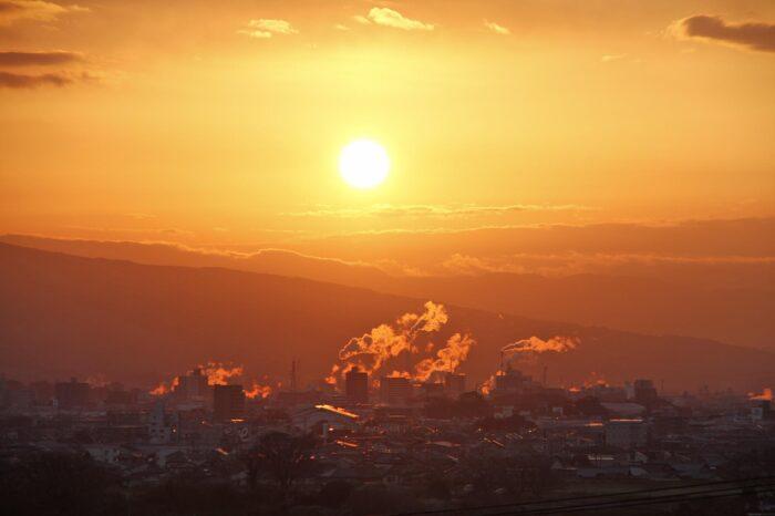 朝の富士市の風景