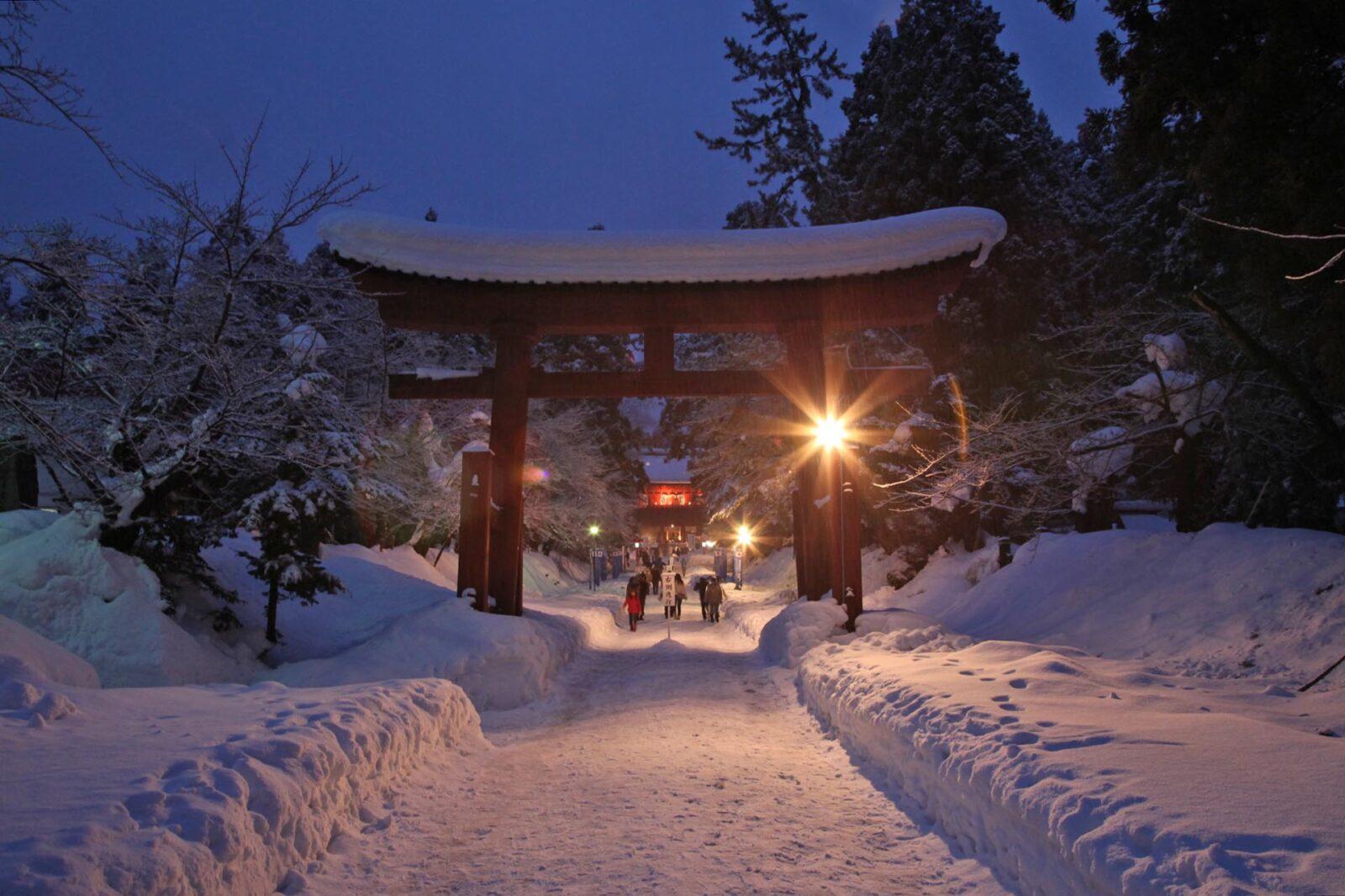 正月の岩木山神社