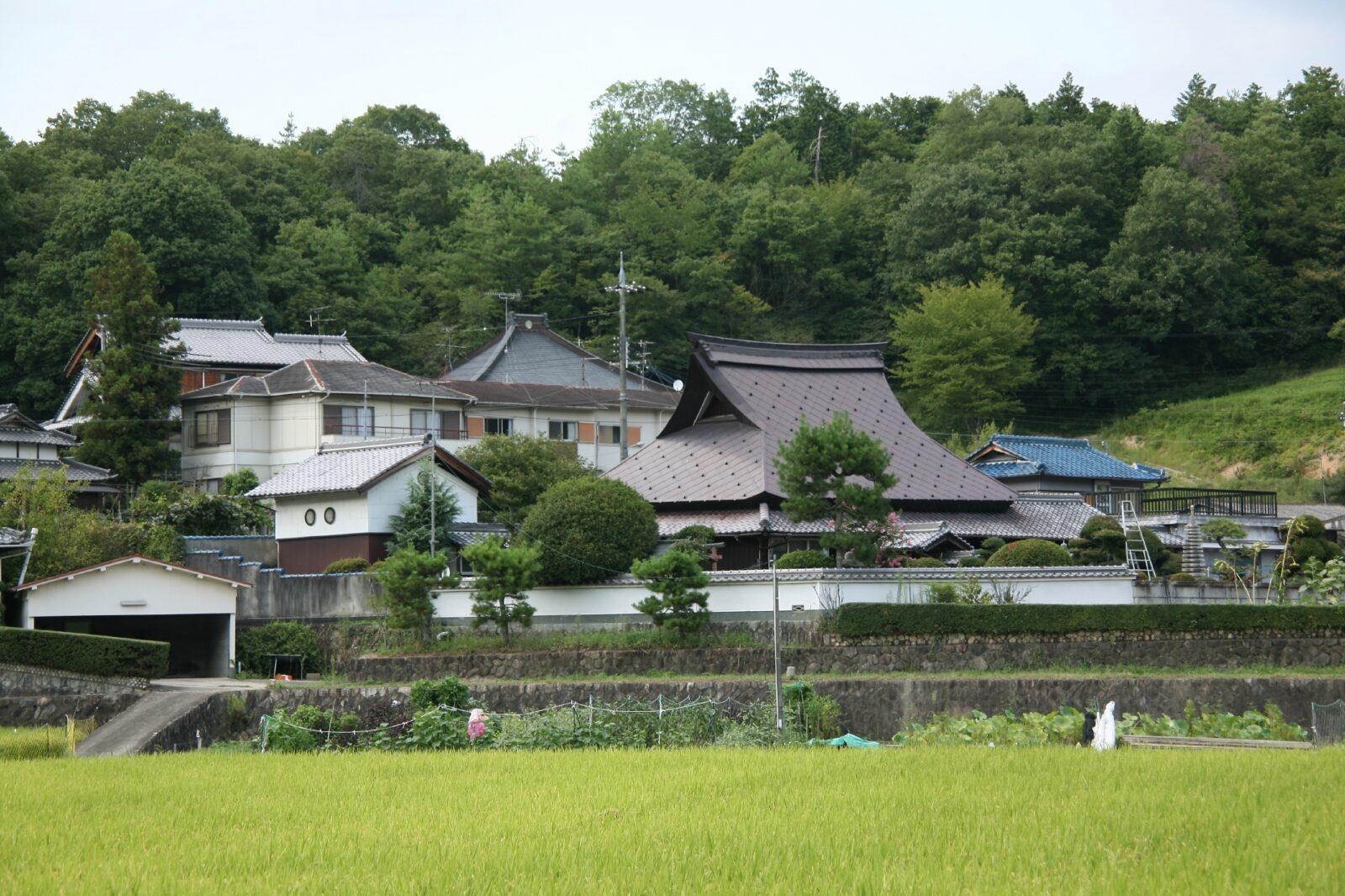 兵庫県川辺郡猪名川町