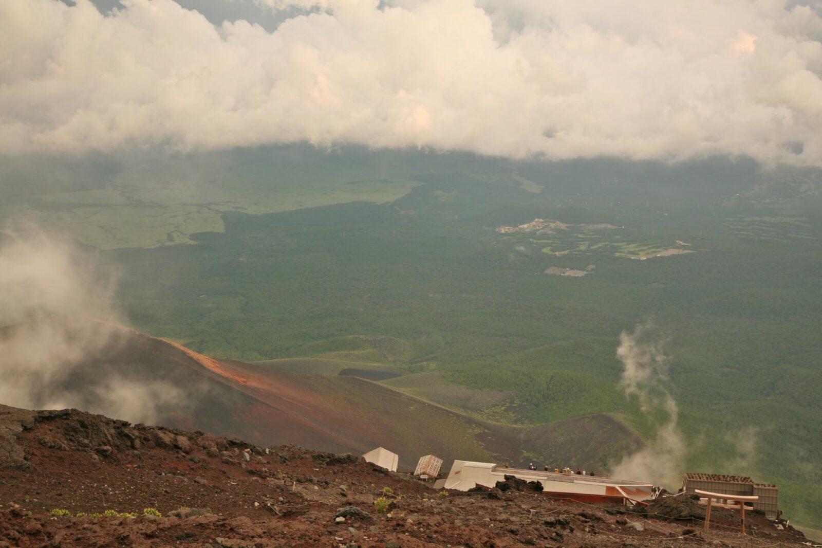 夏の富士山から見る風景